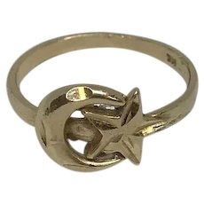 Vintage 14K Yellow Gold Crescent Moon Star Ring