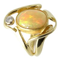 Opal from Ethiopia and Diamond 18K and 24K Ring