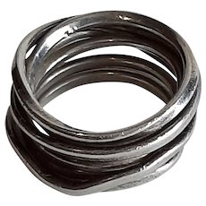 Stirling wire ring