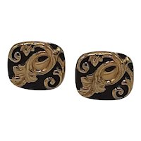 Black and gold arabesque medalion cufflinks