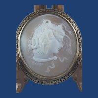 Antique Victorian Medusa Gorgona Cameo Etruscan Revival 18ct Gold Frame Brooch Pin