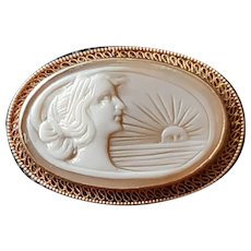 Vintage  Art Deco Hand Carved Shell Cameo 10 ct Pink Gold Brooch