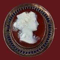 Antique Hard Stone Cameo of Goddess Nike Etruscan Revival 9Kt Gold Brooch/Pendant