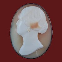 Antique Victorian Tomasso Saulini Cameo of a Lady Facing Left Signed