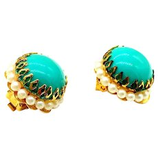 Vintage Kramer Faux Turquoise and Pearl Round Clip On Earrings