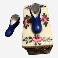 """Limoges Trinket Box """"Court Shoes"""" With A Separate Shoe Inside"""
