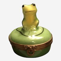 "Limoges Trinket Box ""Frog On A Lily Pad"""