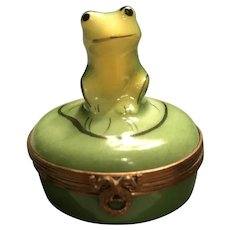 """Limoges Trinket Box """"Frog On A Lily Pad"""""""