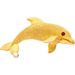 Dolphin Pin in 18 Karat Gold with Ruby and Diamond