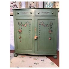 Painted linen chest by Danersk