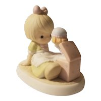Precious Moments 'Life's filled with little surprises' figurine