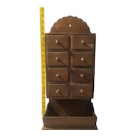 8 Drawer spice rack with bottom shelf