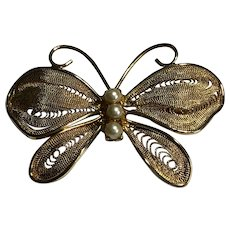 """Vintage Napier Gold Tone Metal Mesh & Simulated Pearls 1.75"""" Butterfly Brooch"""