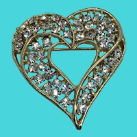 Vintage Sparkly Rhinestone Gold Tone Heart Shaped Brooch / Pin