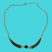 """Vintage 16"""" Gold Tone Chain Necklace with Dark Green Jade-Like """"Claws"""" Stunning necklace"""
