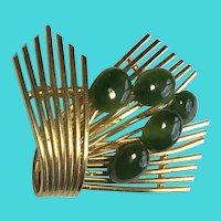 Vintage Gold Tone & Green Nephrite Jade Cabochon Brooch / Pin