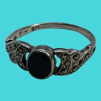 Vintage Size 7 925 Sterling Silver Onyx & Marcasite Ring