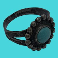 Stunning Vintage Native American Sterling Silver Turquoise Cabochon Ring