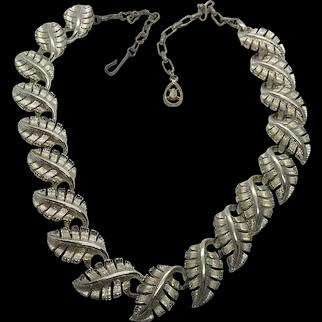 "Coro Vintage Leaf Link 15-18"" Mid Century Necklace"