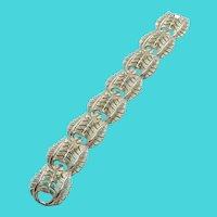 """Stunning Vintage Mid Century Gold Tone Leaf Link 7.25"""" Bracelet"""