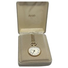 Avon Vintage 1981 Presidents Club Gold Tone Wind Up Pendant Watch Necklace