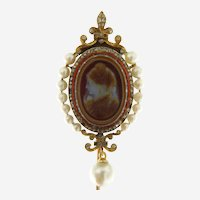 Early Victorian Cameo Sardonyx 18kt Gold, Diamond and Pearls Pin, Rare Antique.