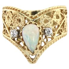 Vintage Filigree 14kt Gold Ring with Opal and Diamonds