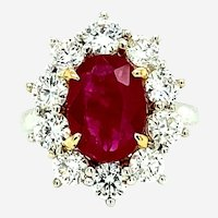 5.86 ct Red Ruby & Diamond Ring in 18kt 2-Tone Gold