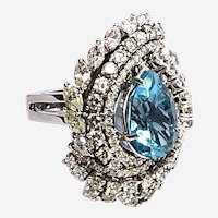 Stunning 18kt Gold Aquamarine and Diamonds Large Italian Cocktail Ring,