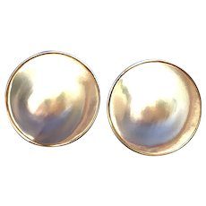 Bold 14kt Gold Large Mabe Pearl Earring, 23mm Circa 1970