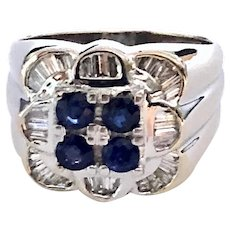 18kt Gold Sapphire Diamond Luxurious Ring
