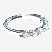 Contemporary 14kt Gold 1 ct Fine Diamond Band Ring