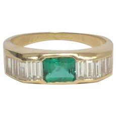 Stunning Emerald & Diamonds Mens Band