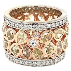 Fancy Diamond Gold Band 18kt