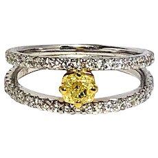 Trendy 18kt Gold Yellow & White Diamonds openwork Ring
