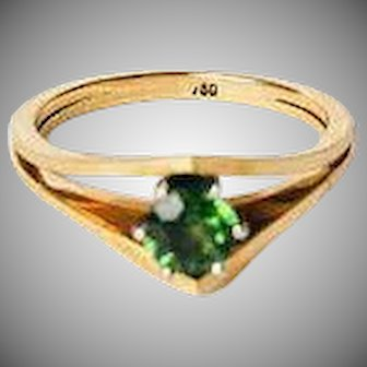 1940s Vintage Modernist 18k 750 Yellow Gold Peridot Solitaire ring in original box