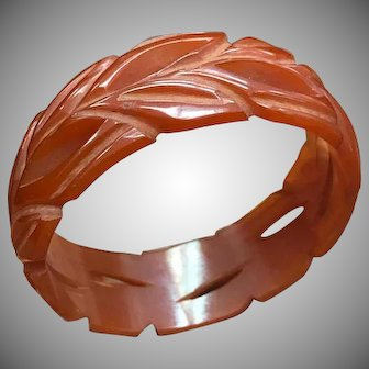 Incredible and Unique Carved 1930s 1940s Root Beer Wreath-Like Pierced Bakelite Bangle Bracelet