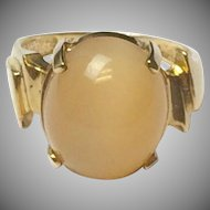 Vintage 10k Yellow Gold and Unusual Peach Moonstone Ring