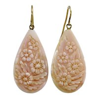Vintage coral cameos 14K gold earrings