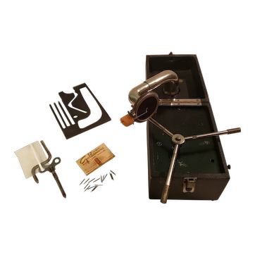 1920's Pet-O-Phone Portable Cameraphone Gramaphone Record Player c1925