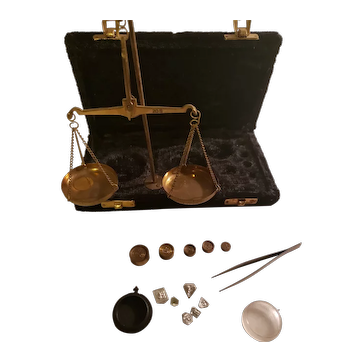 Portable Vintage 209 Apothecary / Jewelry Brass Scale in Black Velvet Case, Full Set c1960s
