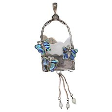 Sajen Pendant with Mother of Pearl