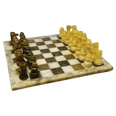 1960s Italian Chess Set in Green and Beige Marble Handmade