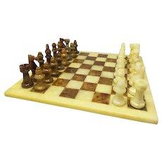 1960s Italian Chess Set in Volterra Alabaster Handmade