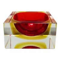 1960s Gorgeous Red and Yellow Cube Ashtray/Vide Poche Designed By Flavio Poli for Seguso