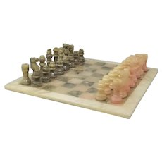 1960s Italian Chess Set in Alabaster Handmade