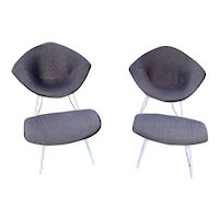 Pair of Knoll Harry Bertoia Diamond Chairs with Matching Ottomans