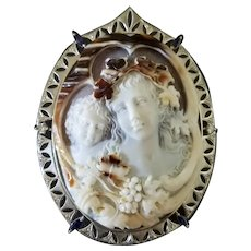 Cameo brooch/pendant set in platinum (pt 900)