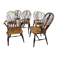 Beautiful Set of Eight 18th Century Yew and Elm Wheel Back Windsor Chairs