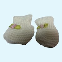 Madame Alexander White Knitted  Booties for Medium Sized Baby Dolls